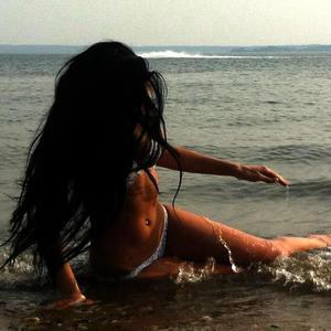 Rosita from Wisconsin is looking for adult webcam chat