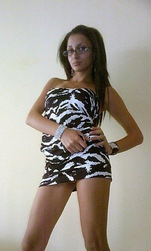 Tracie from  is interested in nsa sex with a nice, young man