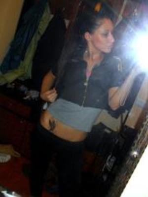 Katheleen from Ohio is looking for adult webcam chat