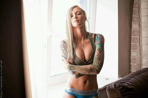 Bronwyn from East Barre, Vermont is looking for adult webcam chat