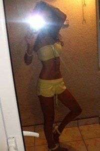 Thomasena from Glen Rogers, West Virginia is looking for adult webcam chat