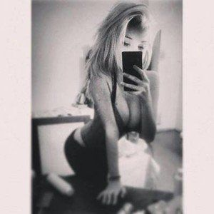 Claudie from Allyn, Washington is looking for adult webcam chat